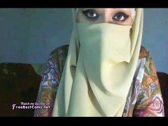 Busty Hijab Arab Wife Masturbates On Webcam