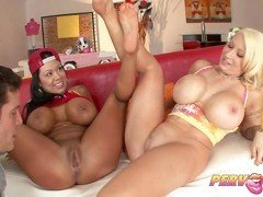PervCity Curvy MOMs Threesome Blowjob