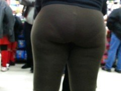 Candid brown spandex bubbled out milf donk of NYC#2